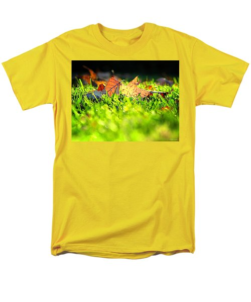 Men's T-Shirt  (Regular Fit) featuring the photograph Nestled by Greg Simmons
