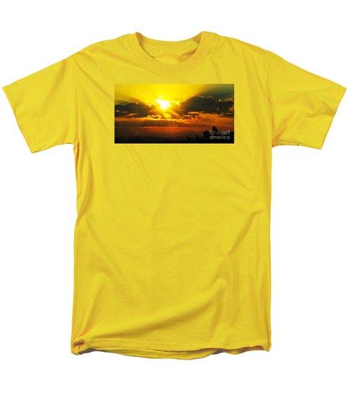 Mahlon Sweet Sunset Men's T-Shirt  (Regular Fit)