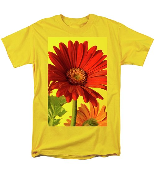Red Gerbera Daisy 2 Men's T-Shirt  (Regular Fit) by Richard Rizzo