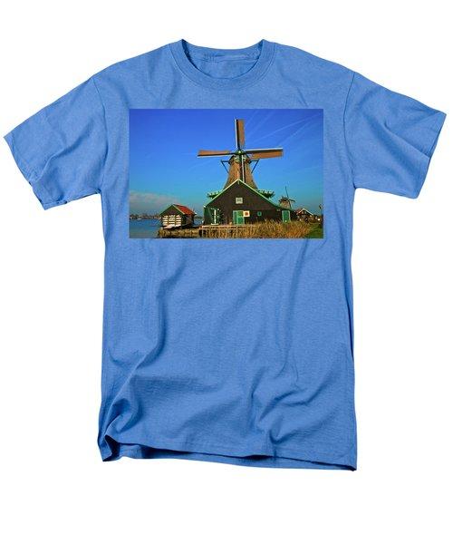 Men's T-Shirt  (Regular Fit) featuring the photograph De Kat On De Zaan by Jonah  Anderson