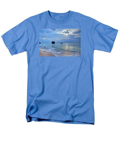 Early Morning Light Men's T-Shirt  (Regular Fit) by Bob Hislop