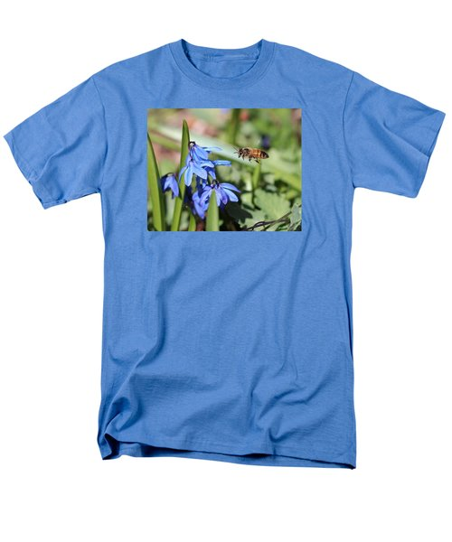 Honeybee In Flight Men's T-Shirt  (Regular Fit) by Lucinda VanVleck