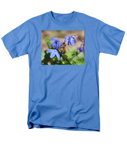 Honeybee On Siberian Squill Men's T-Shirt  (Regular Fit) by Lucinda VanVleck