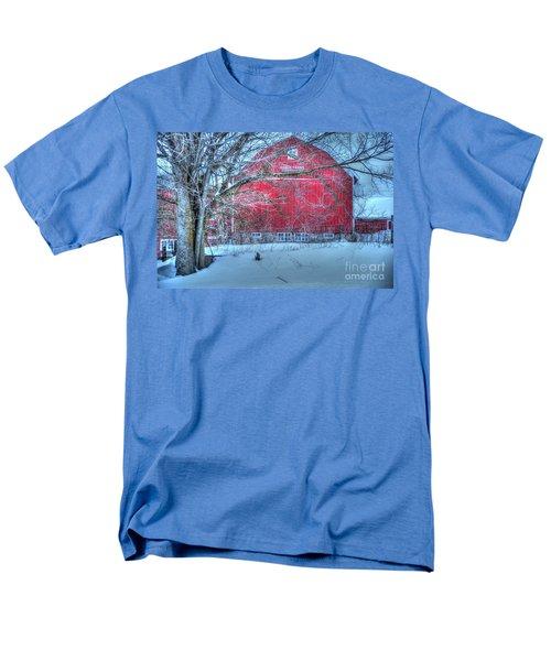 Red Barn In Winter Men's T-Shirt  (Regular Fit) by Terri Gostola