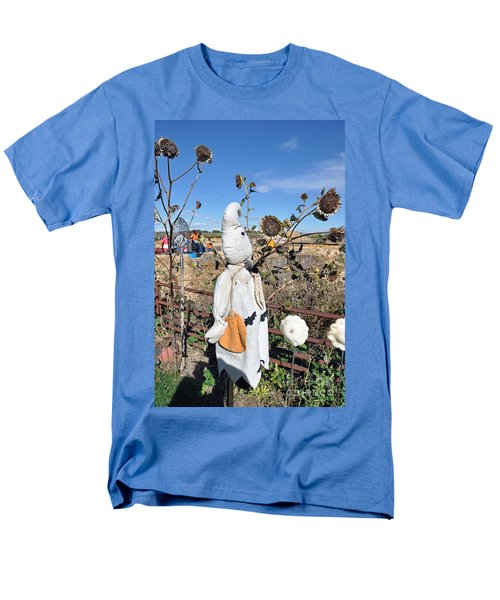 Men's T-Shirt  (Regular Fit) featuring the photograph Waiting For Darkness by Minnie Lippiatt