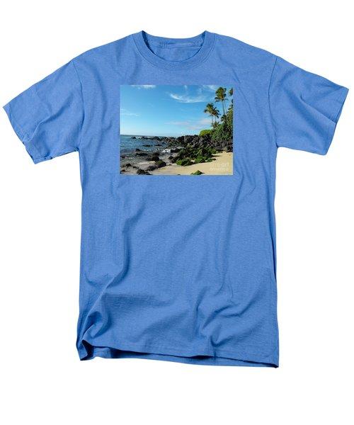 Turtle Beach Oahu Hawaii Men's T-Shirt  (Regular Fit) by Rebecca Margraf