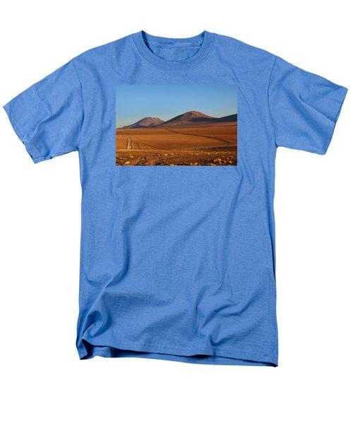 Siloli Desert Men's T-Shirt  (Regular Fit) by Aivar Mikko