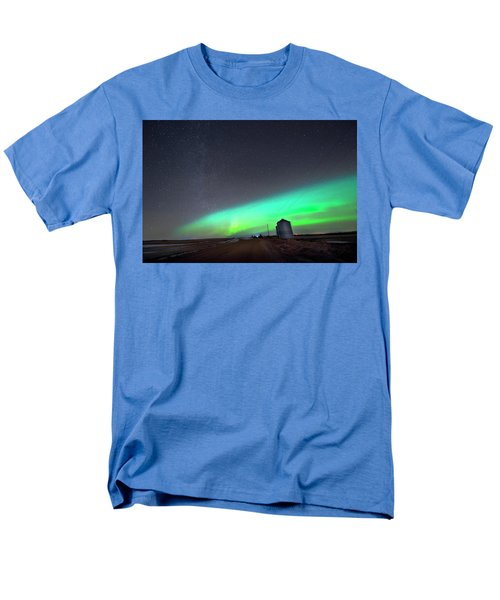 Men's T-Shirt  (Regular Fit) featuring the photograph Arc Of The Aurora by Dan Jurak