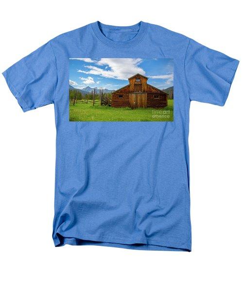 Buckaroo Barn Men's T-Shirt  (Regular Fit) by John Roberts