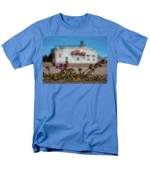 Men's T-Shirt  (Regular Fit) featuring the photograph Collyer Sidewalk Blooms by Darren White