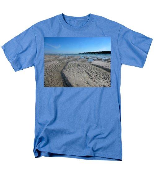 Gloucester Lighthouse Men's T-Shirt  (Regular Fit) by Barbara Bardzik
