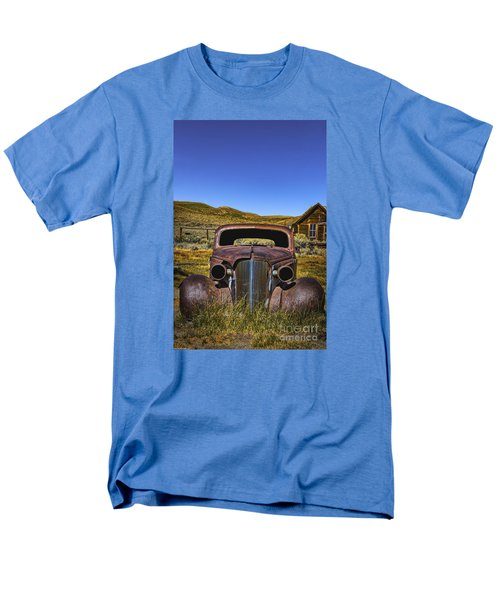 Men's T-Shirt  (Regular Fit) featuring the photograph Old Rusty by Mitch Shindelbower