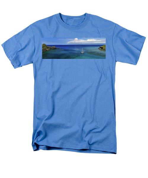Snorkeling In Maui Men's T-Shirt  (Regular Fit) by James Eddy