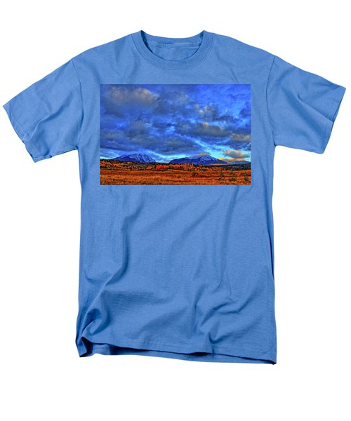 Men's T-Shirt  (Regular Fit) featuring the photograph Ten Mile Of Fall Colors by Scott Mahon