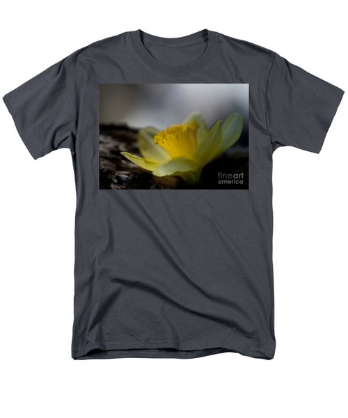 I Promise Men's T-Shirt  (Regular Fit) by Wilma  Birdwell