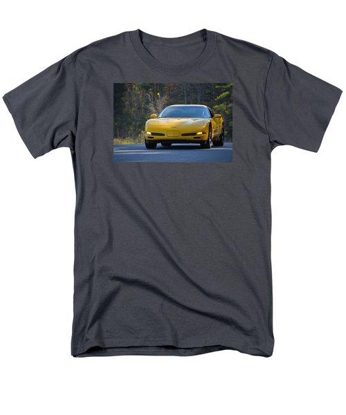Yellow Corvette Men's T-Shirt  (Regular Fit)