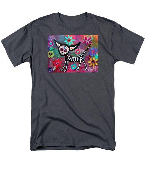 Chihuahua Dia De Los Muertos Men's T-Shirt  (Regular Fit)