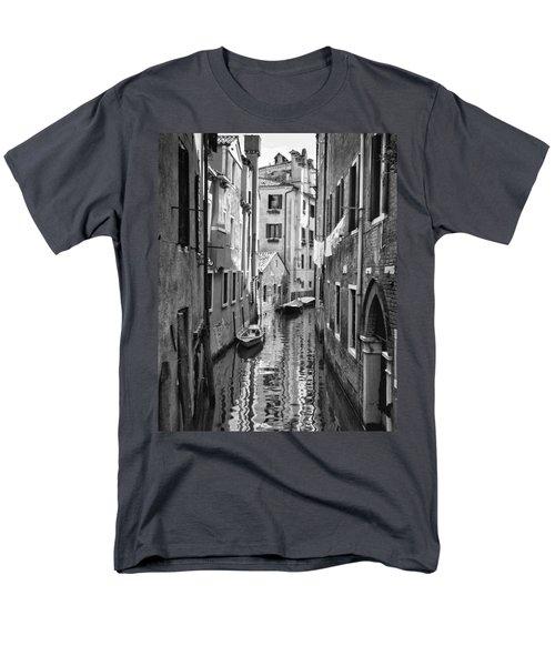 Venetian Alleyway Men's T-Shirt  (Regular Fit) by William Beuther