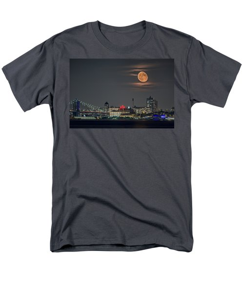 9 O'clock Men's T-Shirt  (Regular Fit) by Eduard Moldoveanu