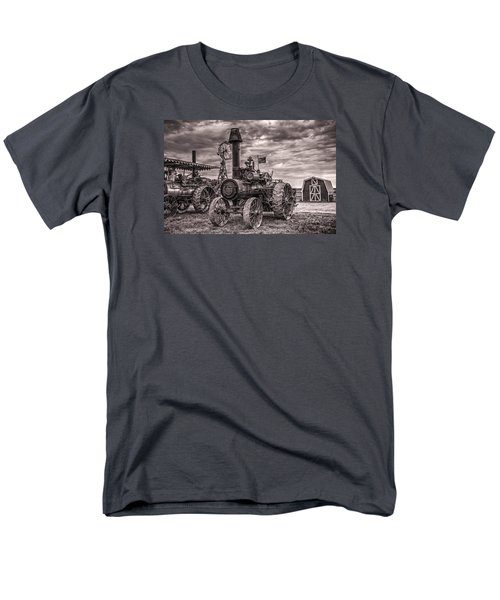 Advance Steam Traction Engine Men's T-Shirt  (Regular Fit) by Shelly Gunderson