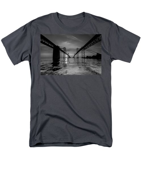 Bay Bridge Strength Men's T-Shirt  (Regular Fit)