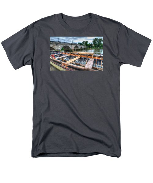 Boat Repair On The Thames Men's T-Shirt  (Regular Fit) by Tim Stanley