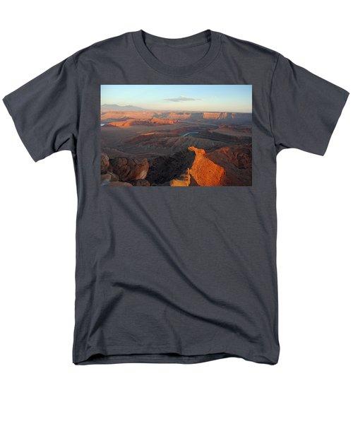 Men's T-Shirt  (Regular Fit) featuring the photograph Canyonlands Np Dead Horse Point 21 by Jeff Brunton