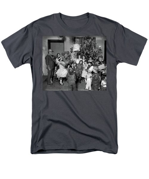 Men's T-Shirt  (Regular Fit) featuring the photograph Christmas, 1925 by Granger