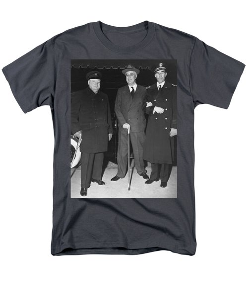 Churchill And Roosevelt Men's T-Shirt  (Regular Fit) by Underwood Archives