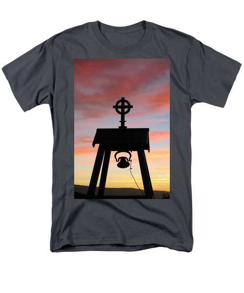 Cove Oregon Men's T-Shirt  (Regular Fit) by Joe Schofield