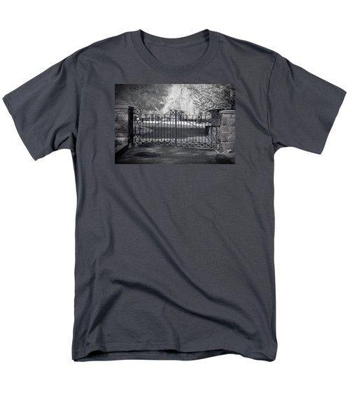 Entry To Salem Willows Men's T-Shirt  (Regular Fit) by Jeff Folger