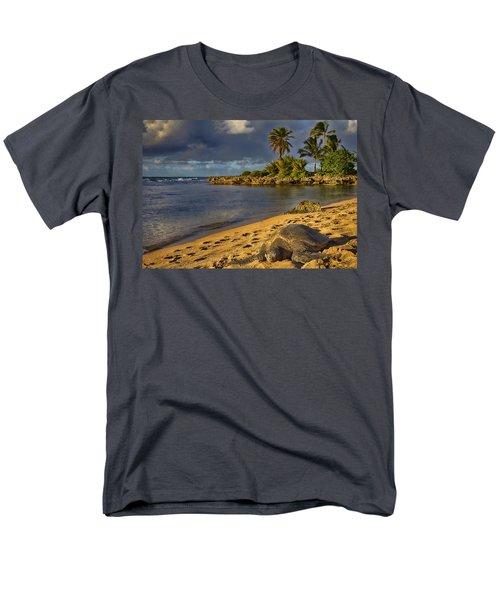 Green Sea Turtle At Sunset Men's T-Shirt  (Regular Fit) by Douglas Barnard