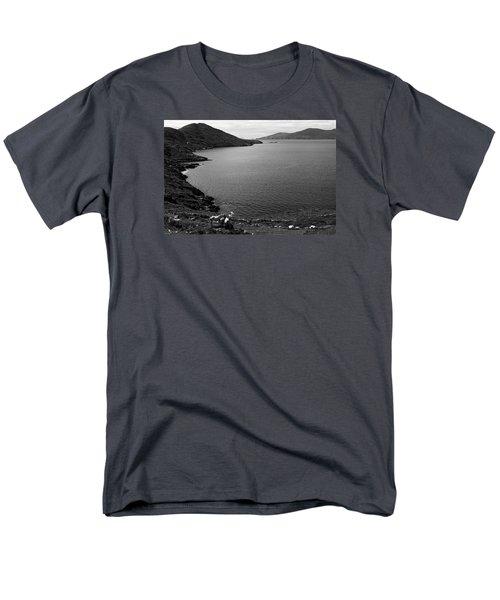Horseshoe Coast Men's T-Shirt  (Regular Fit)