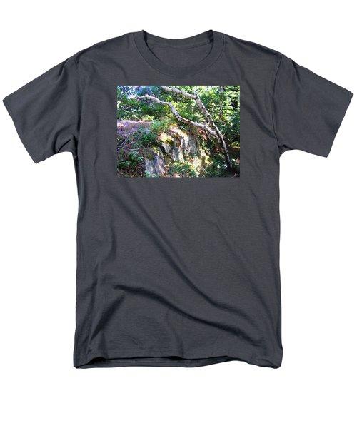 Maine Men's T-Shirt  (Regular Fit) by Oleg Zavarzin