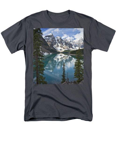 Moraine Lake Overlook Men's T-Shirt  (Regular Fit)