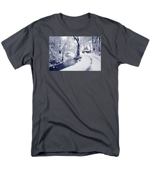 Men's T-Shirt  (Regular Fit) featuring the photograph Nearly Home by Liz Leyden