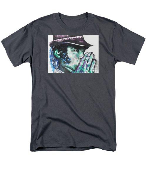 Neil Young Men's T-Shirt  (Regular Fit)