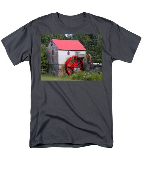 Men's T-Shirt  (Regular Fit) featuring the photograph Old Mill Of Guilford by Sandi OReilly