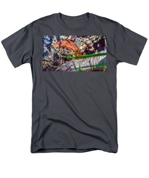 Pantherophis Guttatus Men's T-Shirt  (Regular Fit) by Rob Sellers