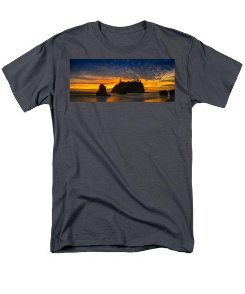 Ruby Beach Olympic National Park Men's T-Shirt  (Regular Fit) by Steve Gadomski