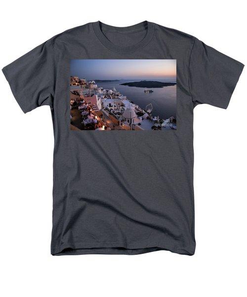 Santorini At Dusk Men's T-Shirt  (Regular Fit) by David Smith