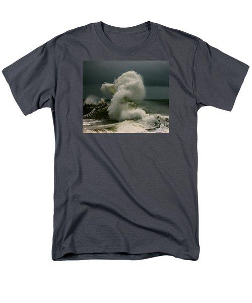 Snake Wave Men's T-Shirt  (Regular Fit)