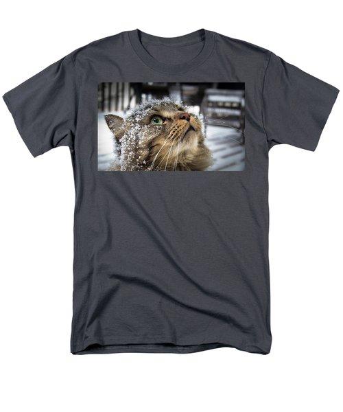Snow Cat Men's T-Shirt  (Regular Fit)