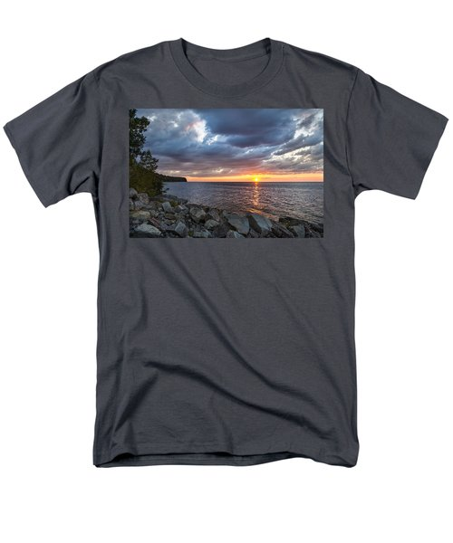 Sundown Bay Men's T-Shirt  (Regular Fit)