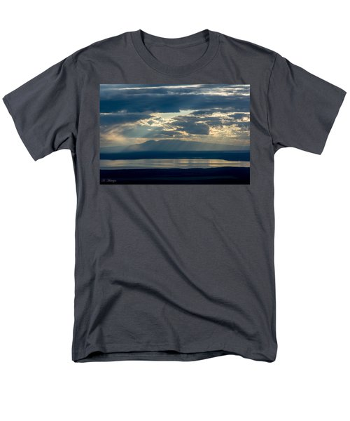 Sunset Rays Over Mount Susitna Men's T-Shirt  (Regular Fit) by Andrew Matwijec