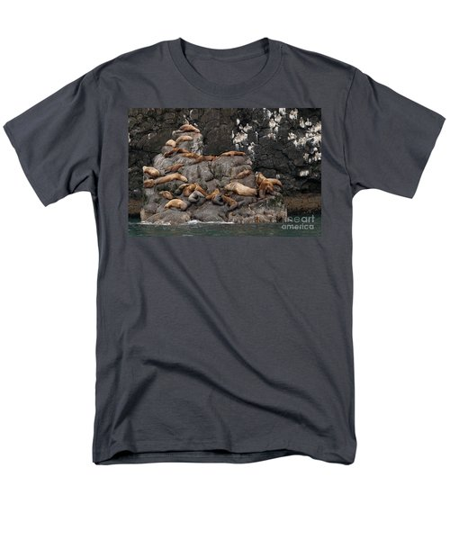 Takin' It Easy Men's T-Shirt  (Regular Fit)