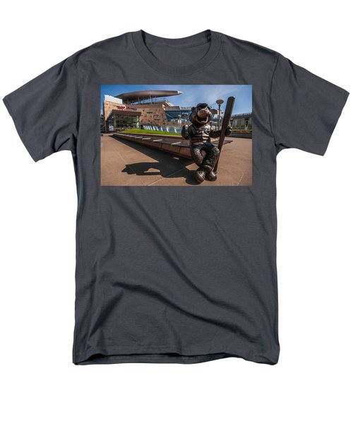 T.c. Statue And Target Field Men's T-Shirt  (Regular Fit) by Tom Gort