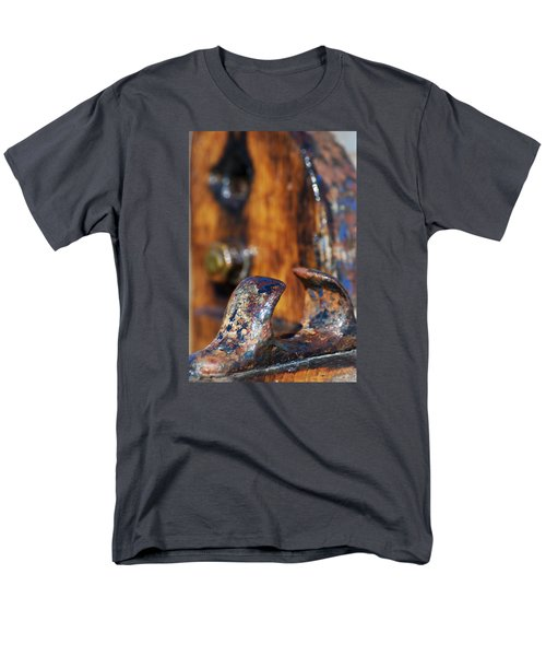 Men's T-Shirt  (Regular Fit) featuring the photograph The Fairlead by Wendy Wilton