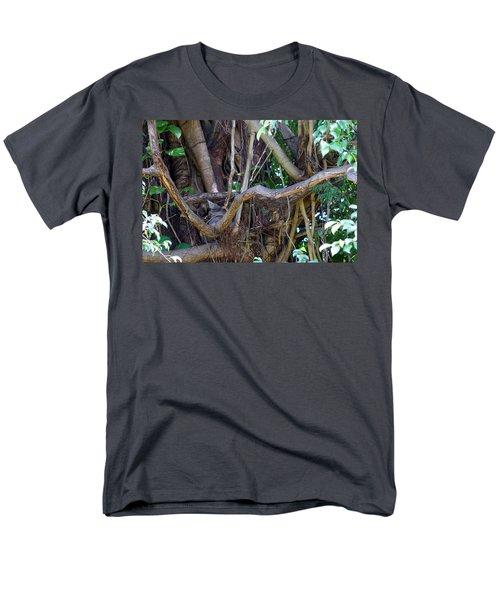Men's T-Shirt  (Regular Fit) featuring the photograph Tree by Rafael Salazar