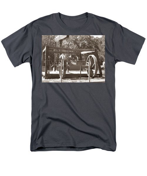 Vintage Oil Rig Santa Rita No. 1 Men's T-Shirt  (Regular Fit) by Connie Fox